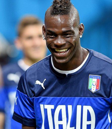 Mario_Balotelli_smiles_