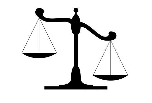 bilancia-giustizia-che-pende-a-destra